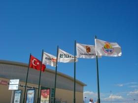 Yatay Gönder Bayrakları